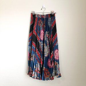 Pleated Mixed Print Midi Length Skirt